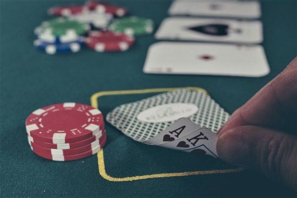 Gioco d'azzardo, vediamo se cambiano veramente le carte in tavola