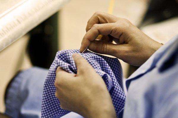 Schiave dell'ago e filo, la Moda italiana si indigna ma non dà risposte concrete